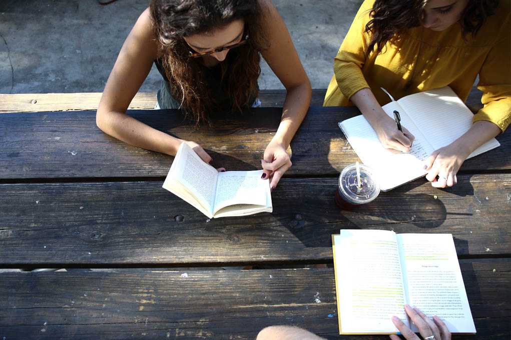 10 Ways to Excel in Medical School - AUSOMA